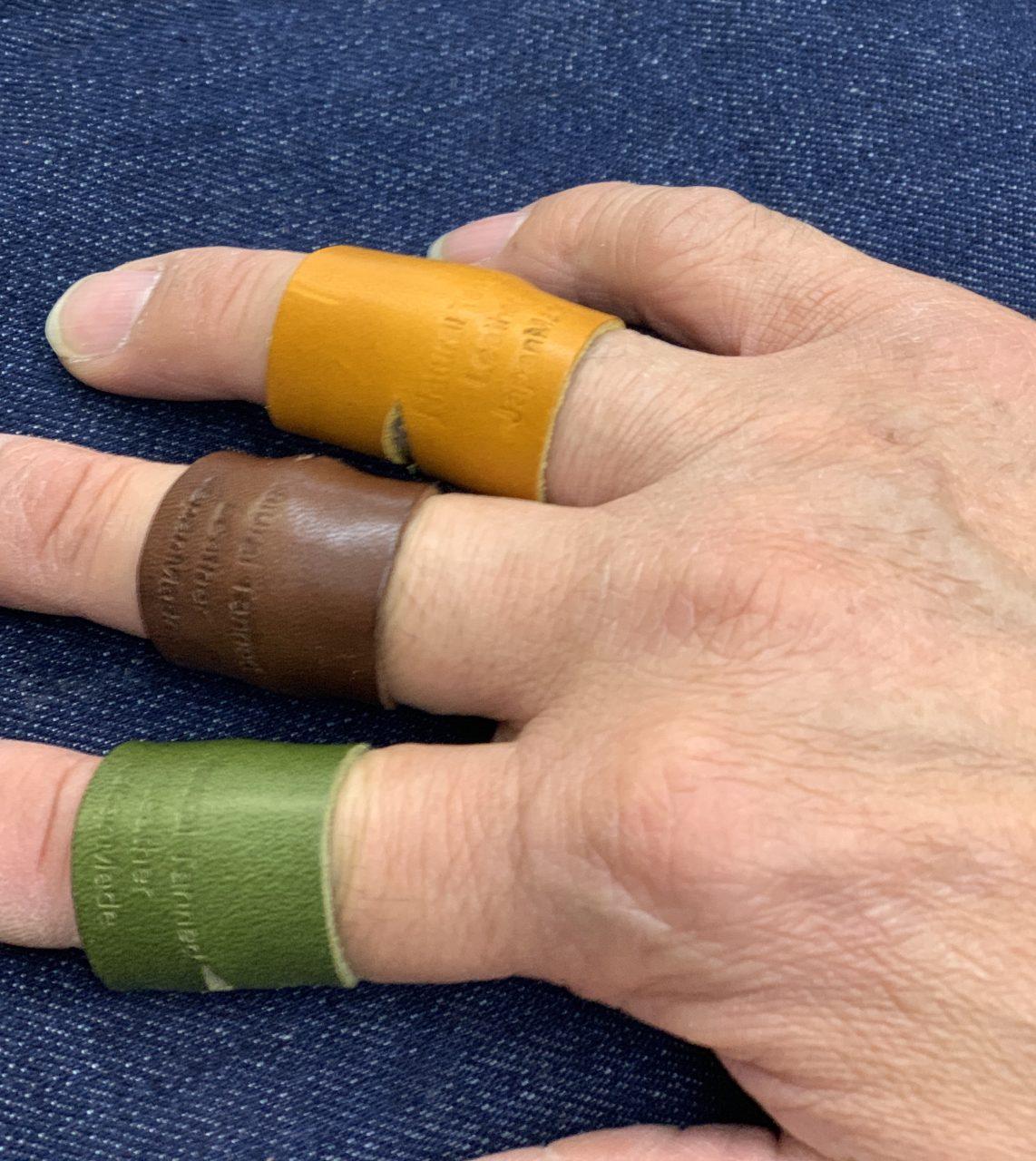 栃木レザー 革リング 非接触 タッチレス 本革指輪 レザーリング ボタン触らない 本革リング エレベーターボタン 自動ドアボタン ドアノブ 二次接触防止 おすすめ 自社生産