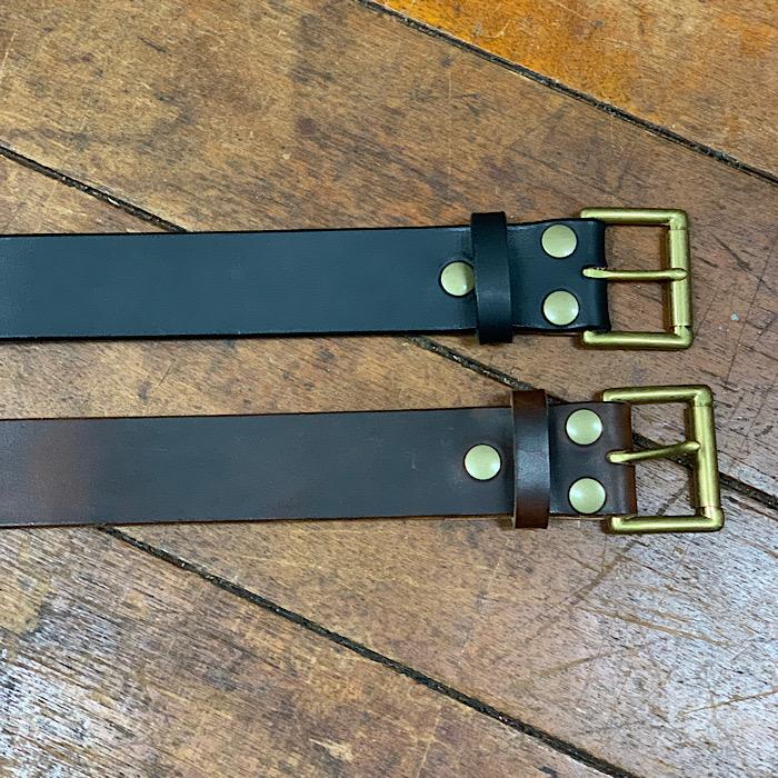 アメリカ製レザー 真鍮製バックル の相性が イイ感じなレザーベルト  経年変化がカッコいいベルト