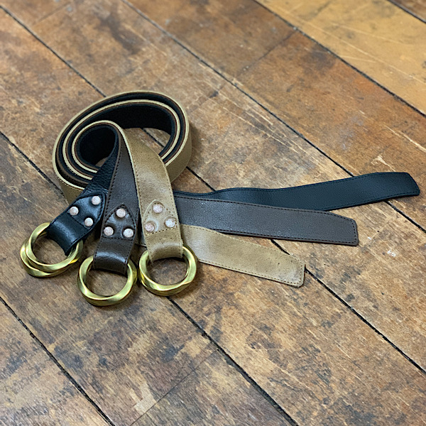 ダブルリングベルト 英国製 レザー希少な kudu クードゥー 本革 珍しいリングベルトです。